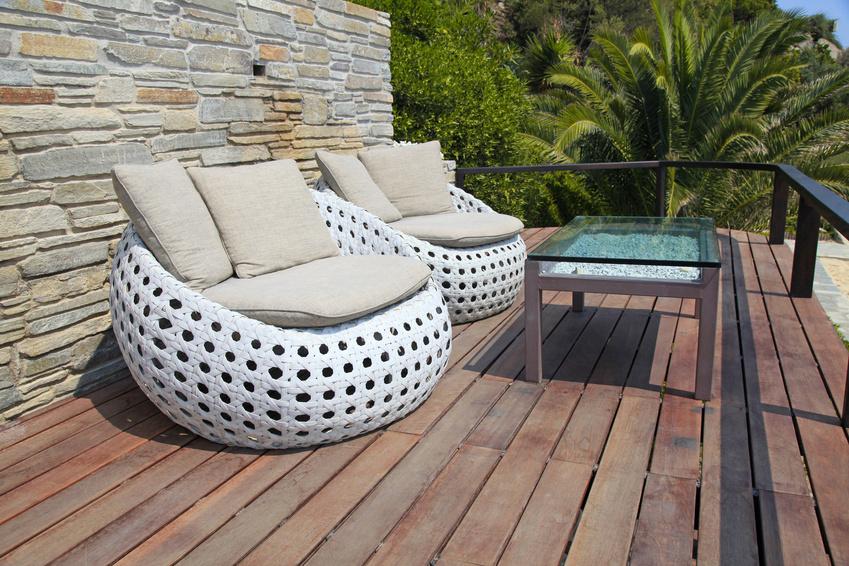 Des dalles de terrasses en bois pour une installation rapide